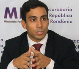Daniel Azevedo Lôbo