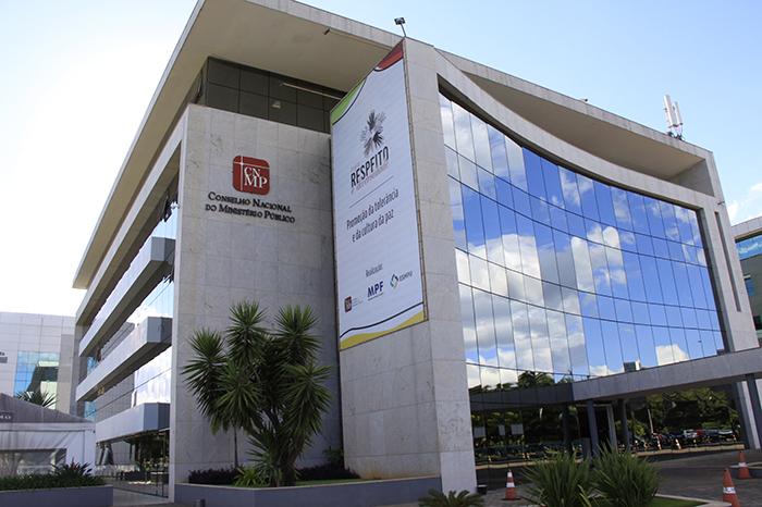 Foto da fachada do prédio do CNMP